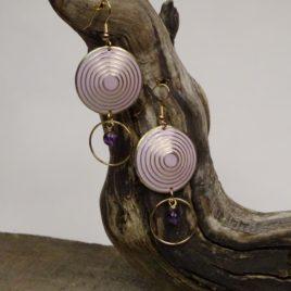 Boucles d'oreilles couleur lilas