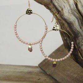 Boucles d'oreilles dorées à l'or fin et rubis