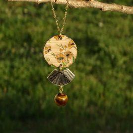 Collier fleurs de cerisier jaunes et œil de tigre