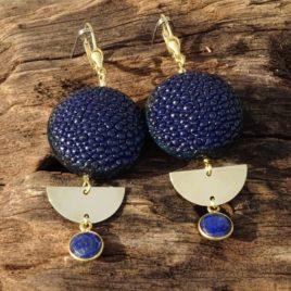 Boucles d'oreilles galuchat et lapis-lazuli